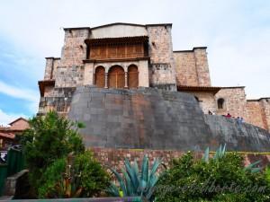 Monastère sur temple Inca